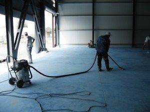 cara menggunakan epoxy lantai dengan menghisap debu